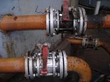 valves scellées d'un bac à terre