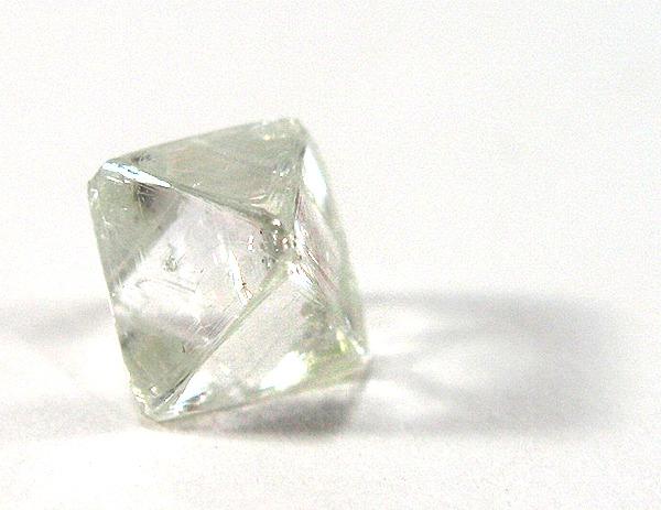 les 4c pour bien  u00e9valuer un diamant