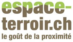 Green and brown Espace Terroir logo. Tagline: Le goût de la proximité. Home delivery services